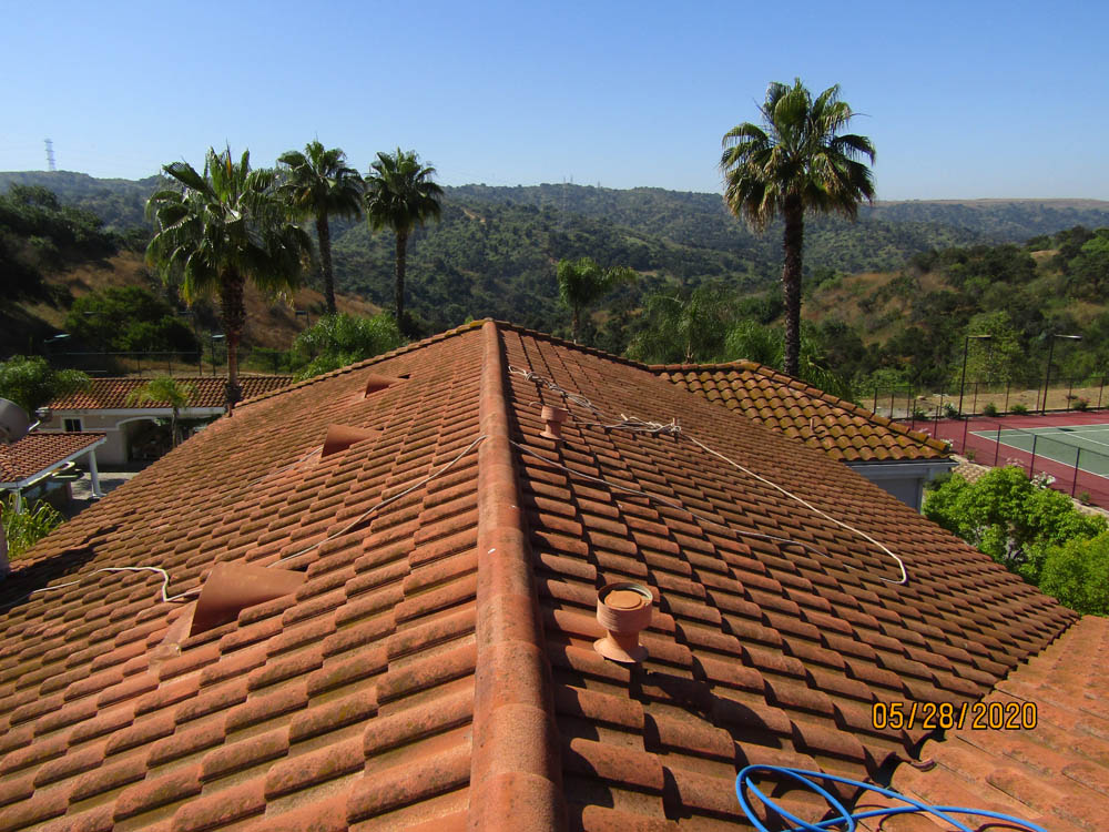 Roof Cleaning Terra Cotta Roof Tile Before & After